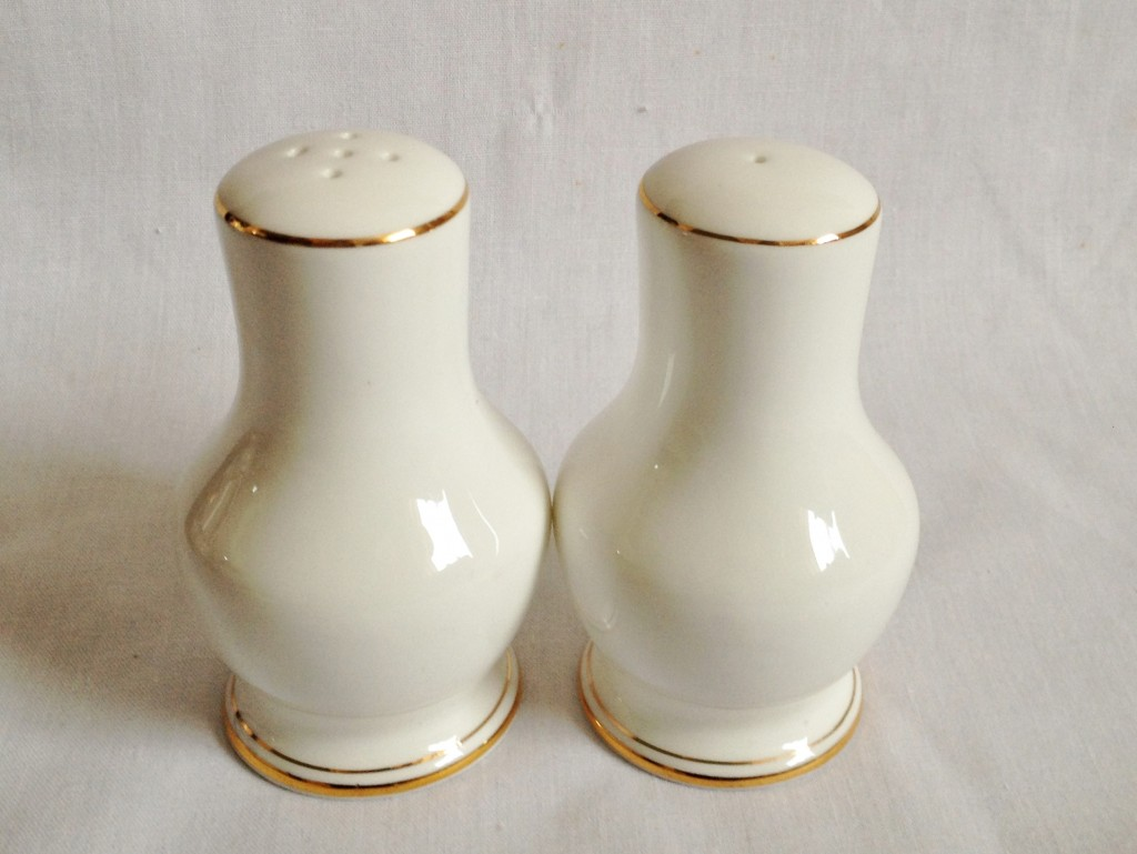 Nivag crockery duchess ascot salt pot and pepper pot Salt n pepper pots